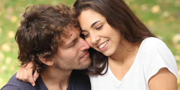 疑問解決!本当に男性って女性から甘えられると嬉しいもの?のイメージ画像