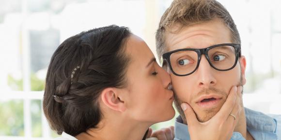 20代女性の貴方が職場で年上の男性を振り向かせる方法のイメージ画像