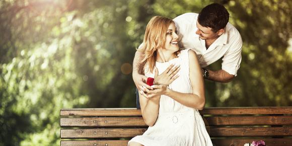 プロポーズを待ち疲れた!のんびり彼氏を動かす4つのセリフのイメージ画像