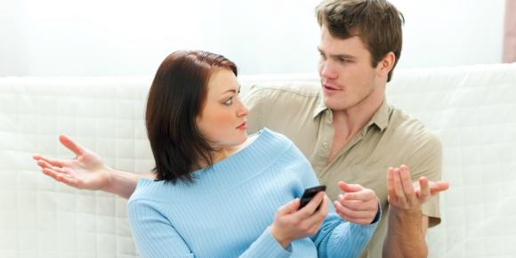 【見るだけならまだしも】彼氏による無断携帯使用に気を付けろ!のイメージ画像