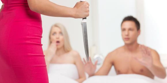 【夫の怪しい行動】浮気の事実を知った妻がすべき選択とはのイメージ画像