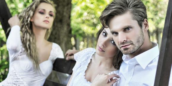 気になる彼には妻・恋人が…略奪愛を成功させる為の8つの方法のイメージ画像