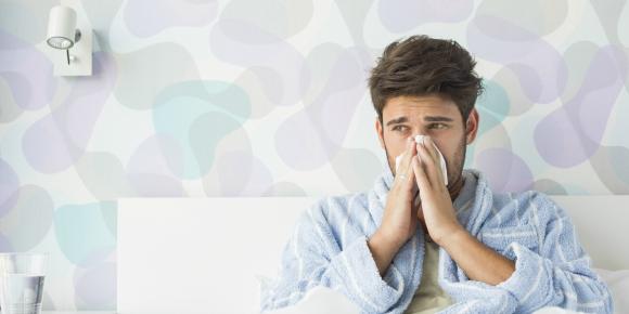 ここが女の見せ所!風邪を引いた彼氏に送る気配り上手なメールのイメージ画像